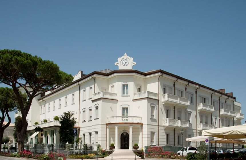 Groups and Incentives in Italy